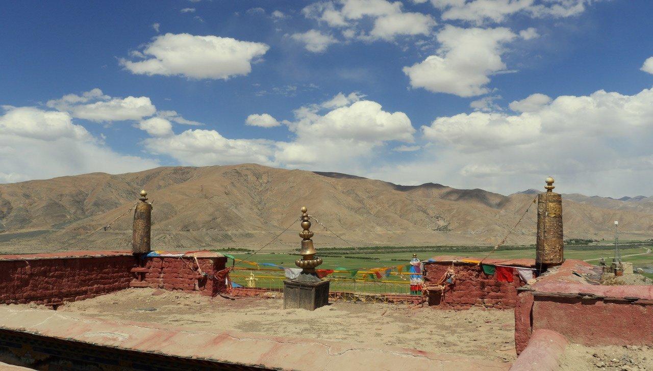 road trip tibet shigatse everest monastery