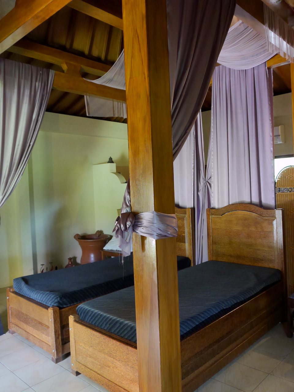 borobudur hotel review beds
