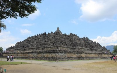 Borobudur hotel near the temple: the Mettaloka and the Rumah Dharma Villas