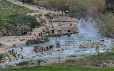 Guide to Saturnia in Tuscany: Italy's most popular hot springs